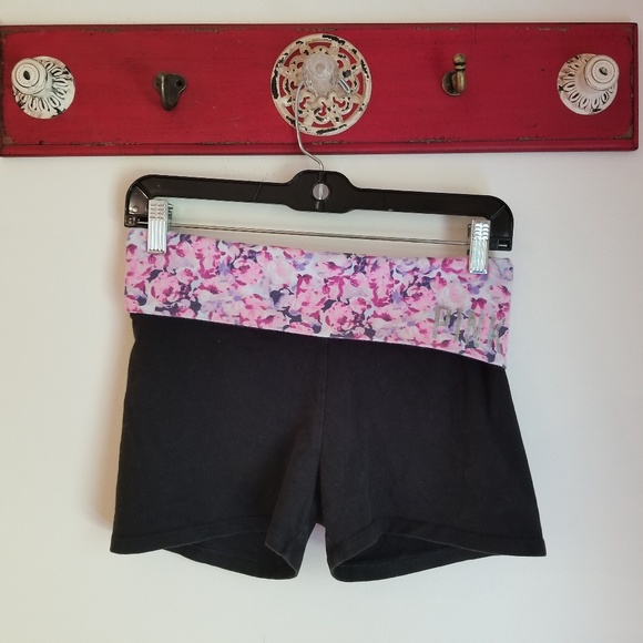 PINK Victoria's Secret Pants - ** PINK Yoga Short